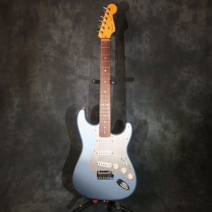 Fender Stratocaster USA 2012 American Deluxe Ice Blue Metallic FSR Limited Edition Guitar + Case