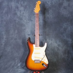 Fender Stratocaster 1997 Three Tone Sunburst ST-62 Japan Kurt Cobain Strat Guitar + Case